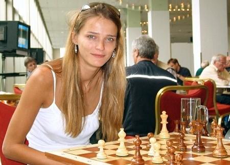 Carmen Kass, enxadrista - a Fera do xadrez