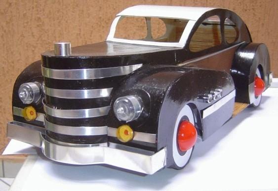 Artesanato - réplica de carro papelão e alumínio