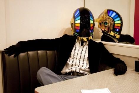 Daft Punk - capacete iluminado