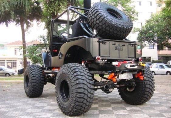 Jeep Willys CJ-3A preto fosco