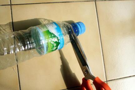 Reciclagem tampas garrafas pet e sacos plásticos