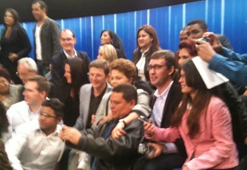 Indecisos cercam Dilma após debate na TV Globo