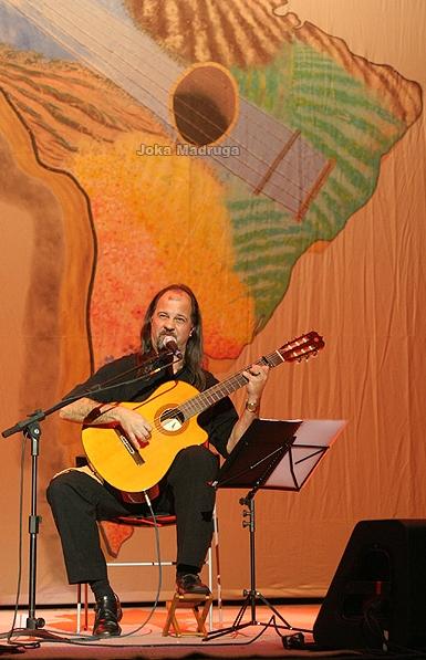 Pedro Munhoz - cantor e compositor gaúcho