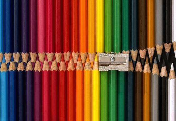 Lápis de cor com apontador