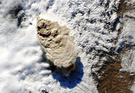 Vulcão Puyehue expele cinzas no Chile