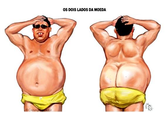 Ronaldo Fenômeno barrigudo na praia - charge