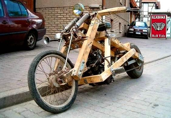 Motocicleta de madeira
