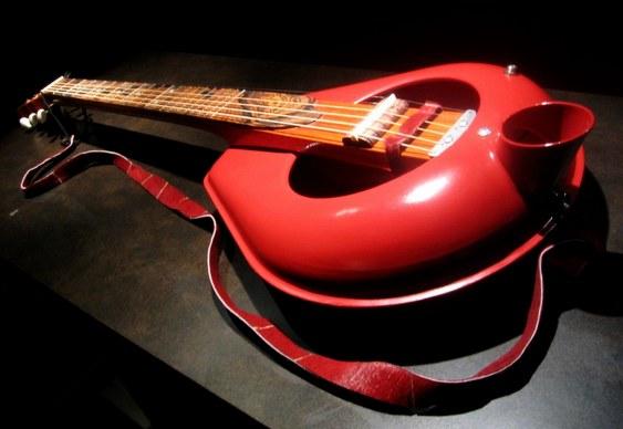 Guitarra penico comadre