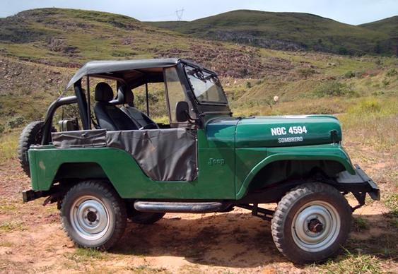 Jipe Willys CJ-5 Verde