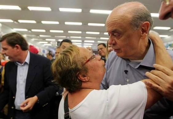 As piores fotos de José Serra em campanha