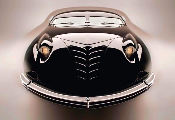 Automóvel antigo futurista