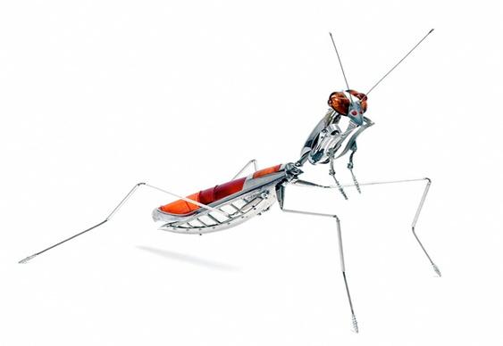 Escultura de inseto com sucata reciclada