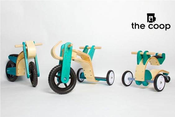 Brinquedos de madeira reciclada