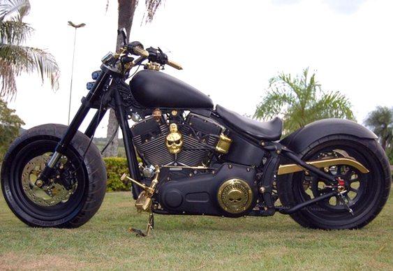 Motocicleta HD Ft Bob Gold