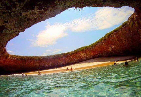 Praia do Amor Ilhas Marieta