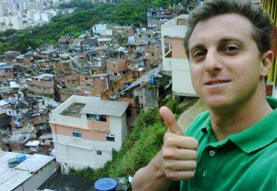 Luciano Huck - tucano na favela