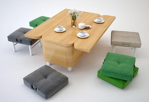 Poltrona conversível em mesa e banquinhos