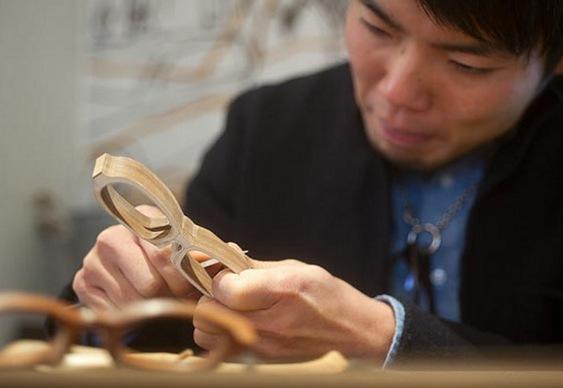 Design óculos de madeira