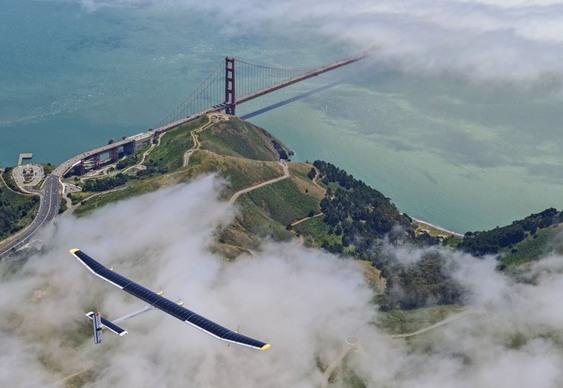 Aeronave impulsionada a energia solar