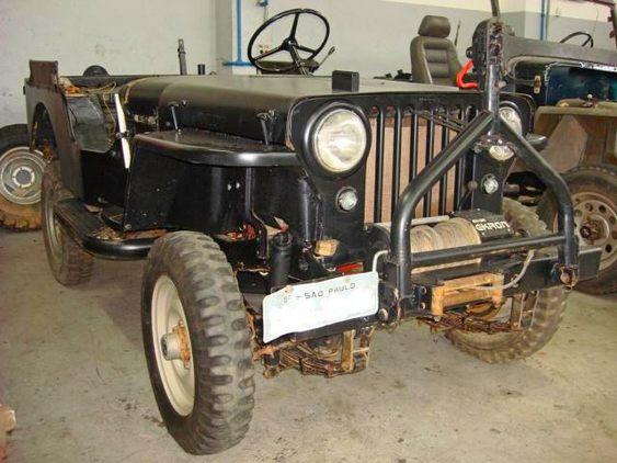 Jeep antigo para reformar