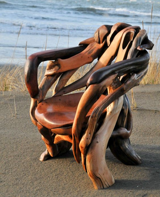 Poltrona de madeira