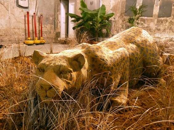 Escultura areia leopardo