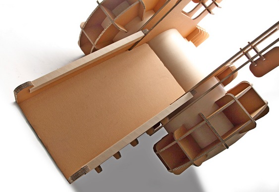 Trator de papelão ondulado