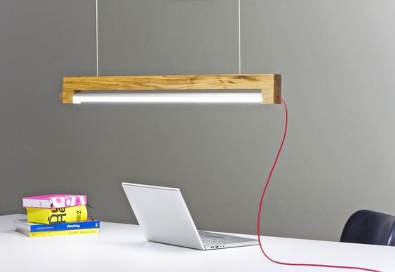 Suporte de madeira para luminária