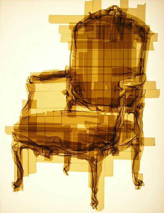 Cadeira feita com fita adesiva