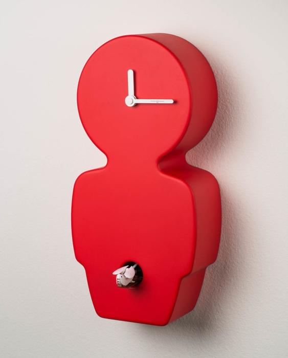 Relógio cuco de madeira