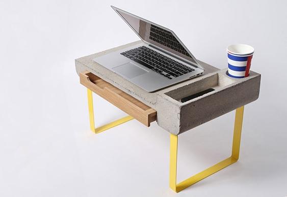 Escrivaninha de concreto