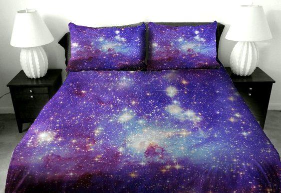 Fronhas, lençóis e edredons com galáxias