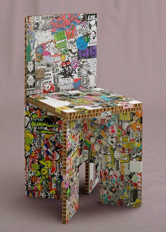 Móvel de papelão reciclado