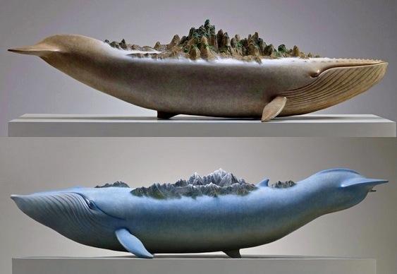 Esculturas de baleias míticas