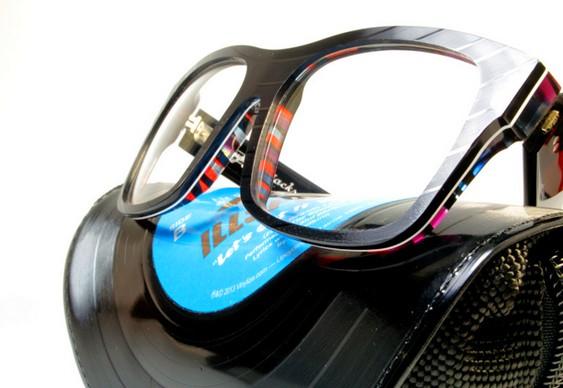 Estojos com discos reciclados