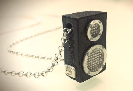 Réplica de caixa de som com alto-falantes