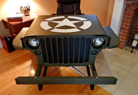 Jeep Willys transformado em móvel