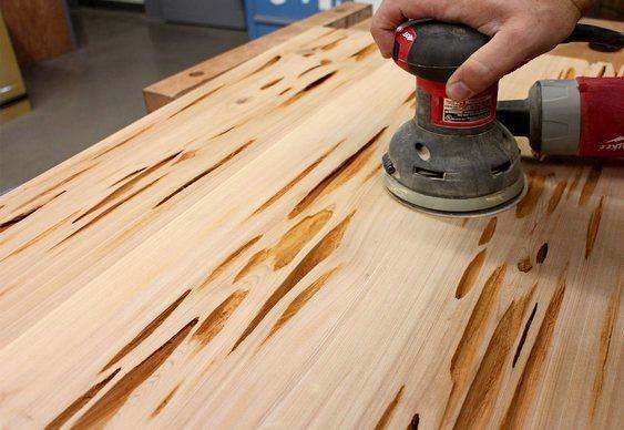 Como tapar furos de cupim na madeira