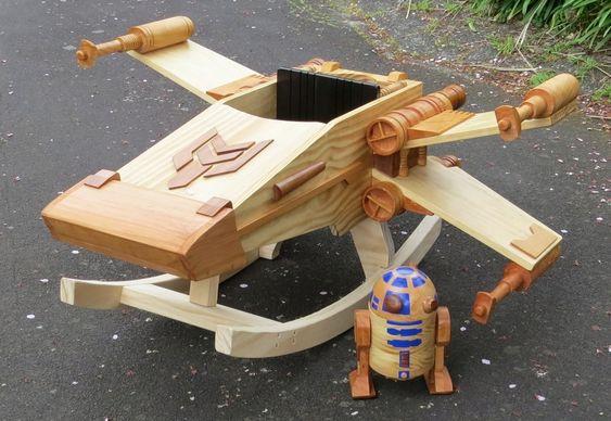 Brinquedo infantil de madeira