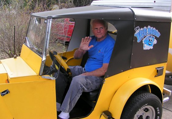 Triciclo Jeep Willys