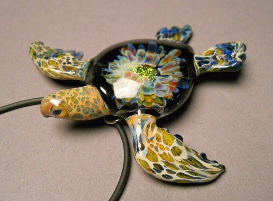Tartaruga para usar em colar