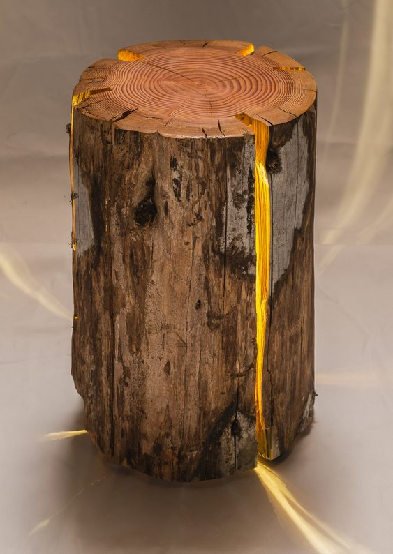 Como fazer luminária com madeira velha