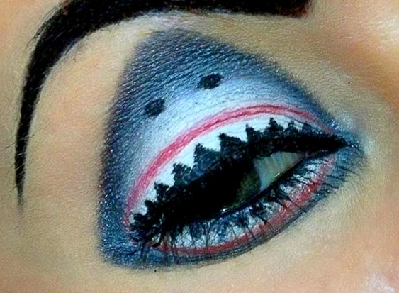 Shark make-up