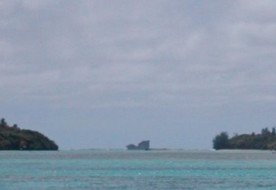 Ilha parecida com baleia mergulhando