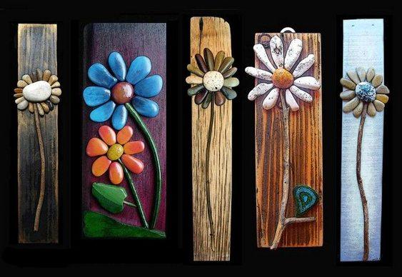 Arranjos florais com pedras roladas