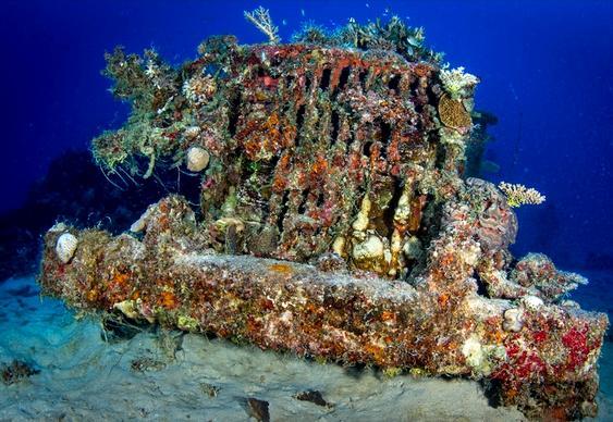 Jipe no fundo do mar