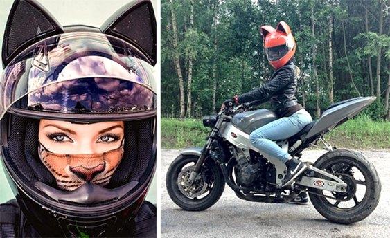 Mulher sensual de motocicleta