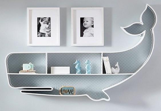 Decoração com baleia branca
