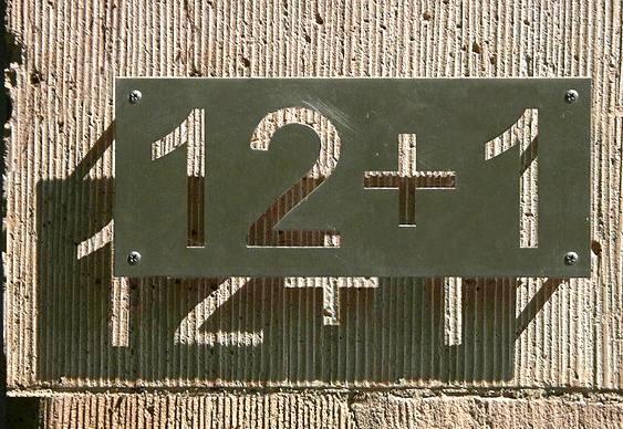 Placa de casa 12+1