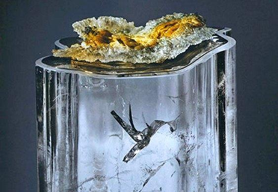 Inclusão dentro de rocha de quartzo